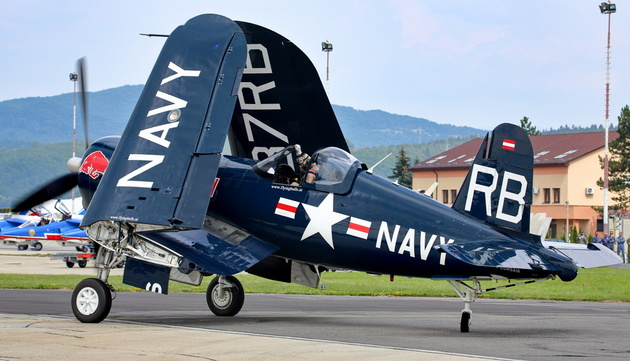 F4U Corsair RED BULL
