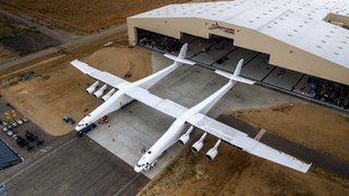 photo - Stratolaunch Systems